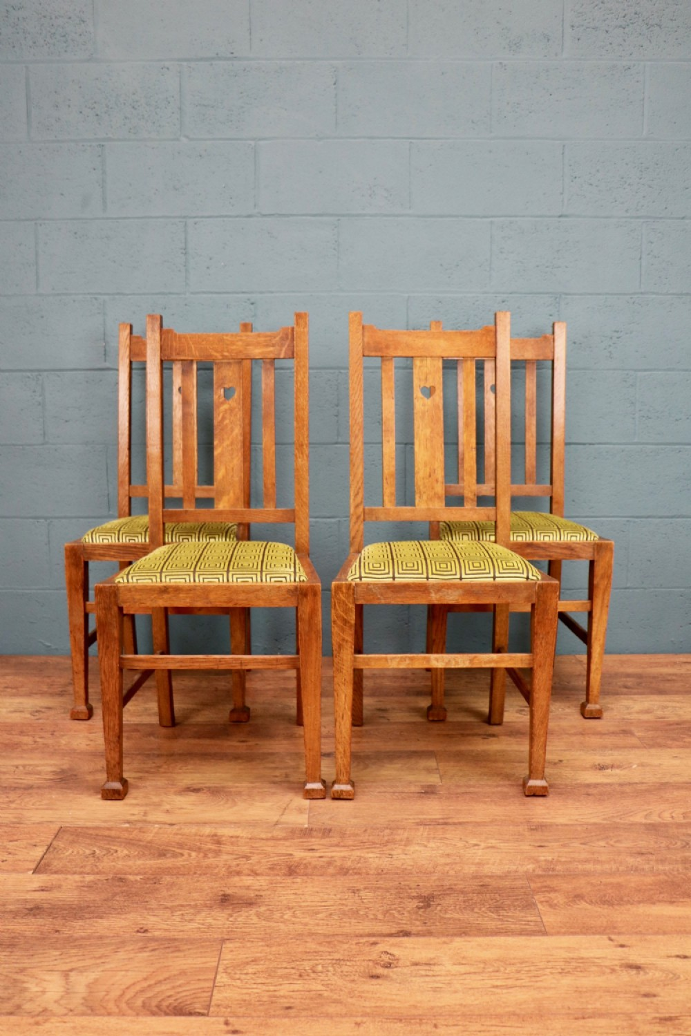 Set Of 4 Arts And Crafts Oak Dining Chairs Liberty Co Style 555090 Sellingantiques Co Uk