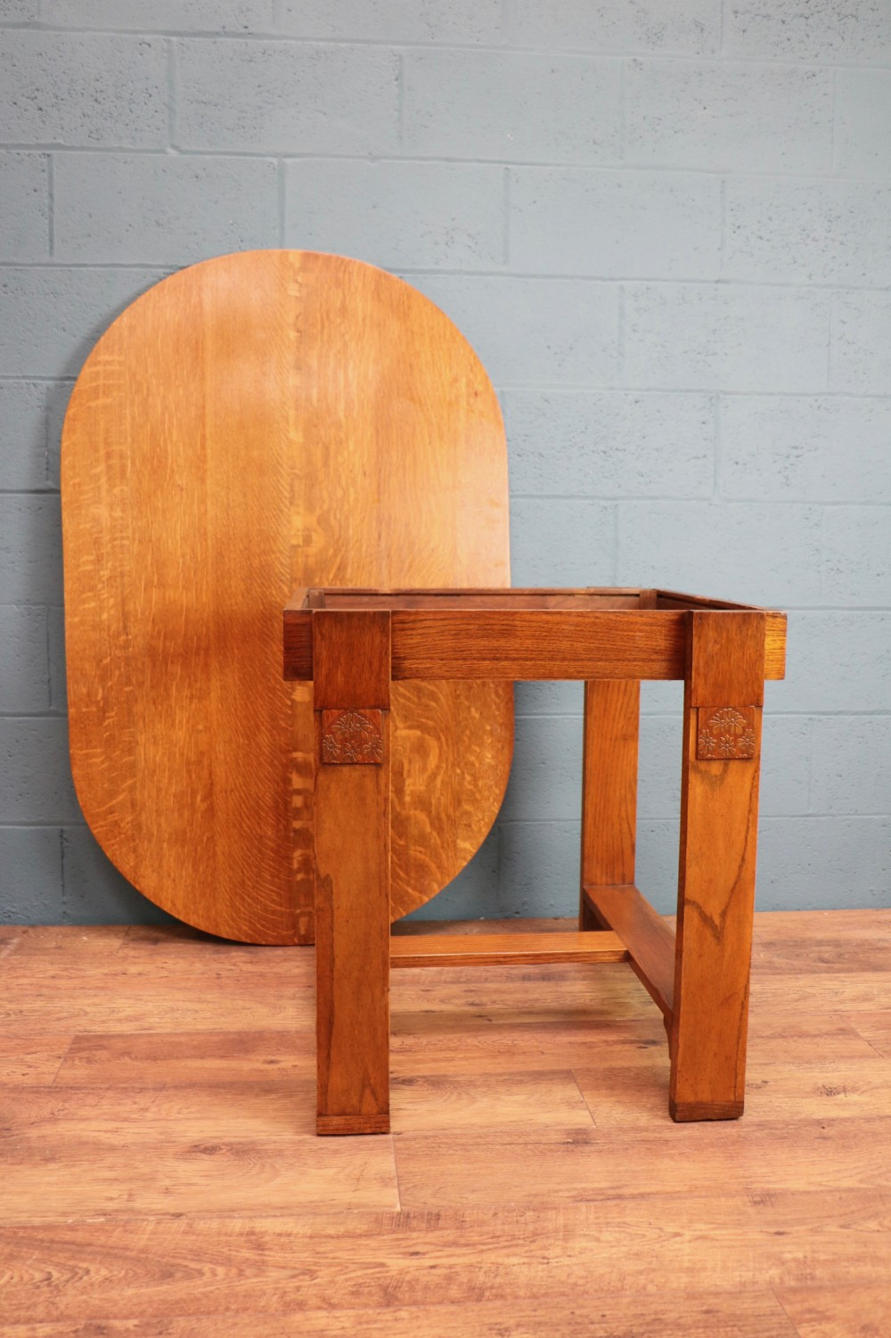 e gomme oak dining table