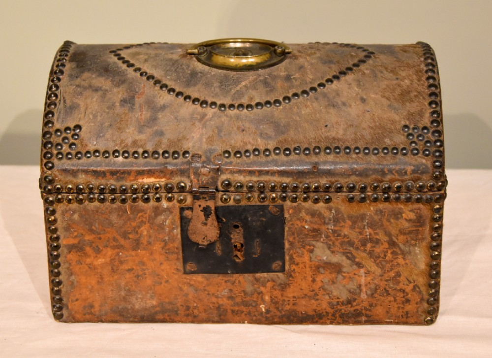 casket box deer skin studded from early 18th century