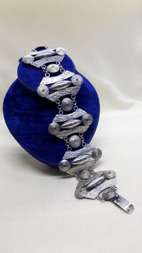 stylish modernist silver bracelet circa 1960