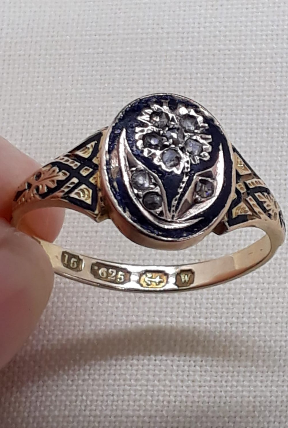 victorian diamond enamel and 15ct gold ring 1871