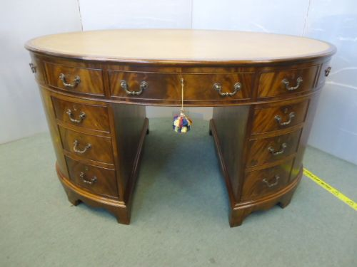 quality oval partners desk