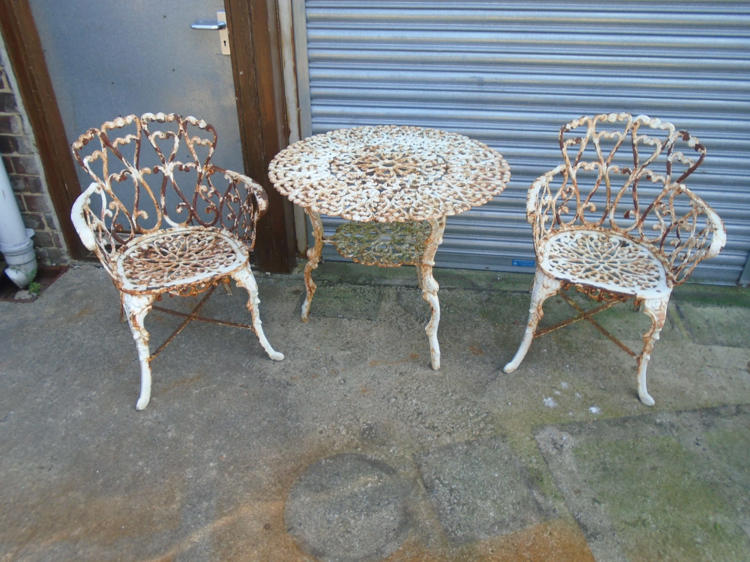 Vintage Cast Iron Garden Table & 11 Arm Chairs  11
