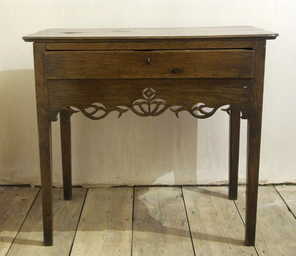 welsh oak table with fretted aproncirca 1780