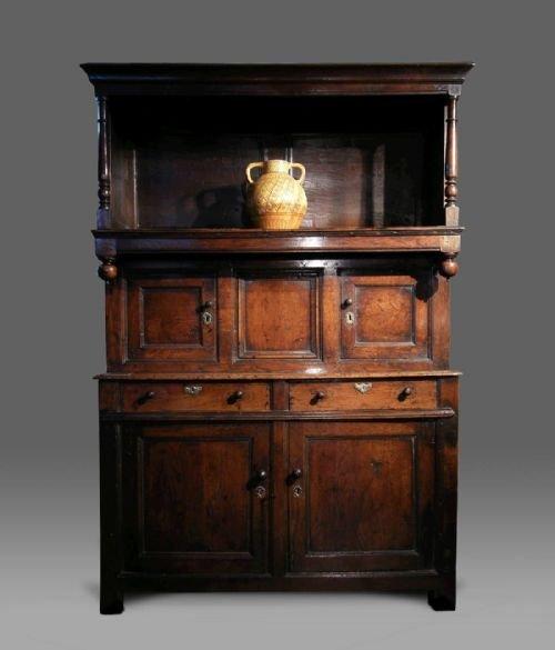 early welsh oak cwpwrdd tridarn tridarn cupboard c1720