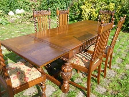Antique Extending Dining Table In Oak Plus 6 Chairs