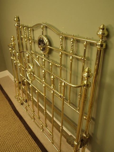 superb victorian brass bow ended bed 4ft 6 - photo angle #2