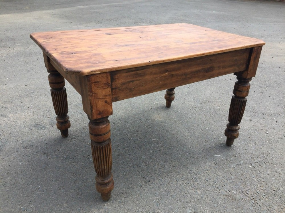 victorian heavy pine kitchen table with drawer