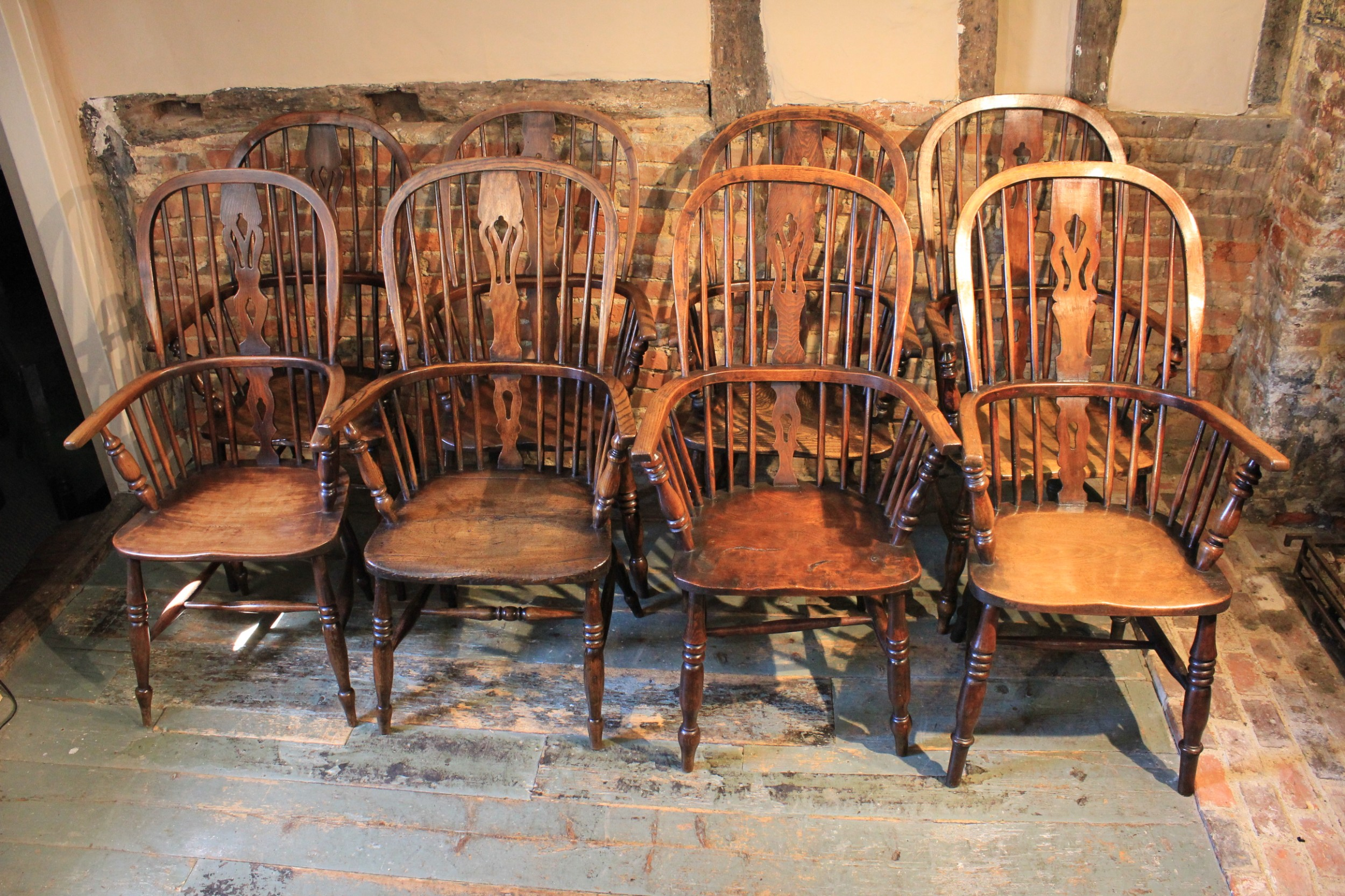 matched set of eight 19th century windsor chairs