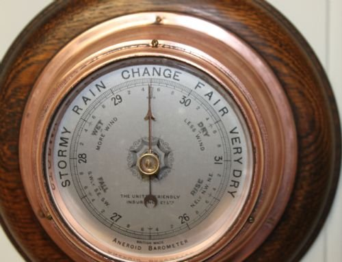 small copper aneroid barometer - photo angle #2