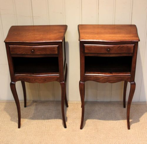 pair of french oak bedside cabinets. antique photo - Pair Of French Oak Bedside Cabinets 209385 Sellingantiques.co.uk