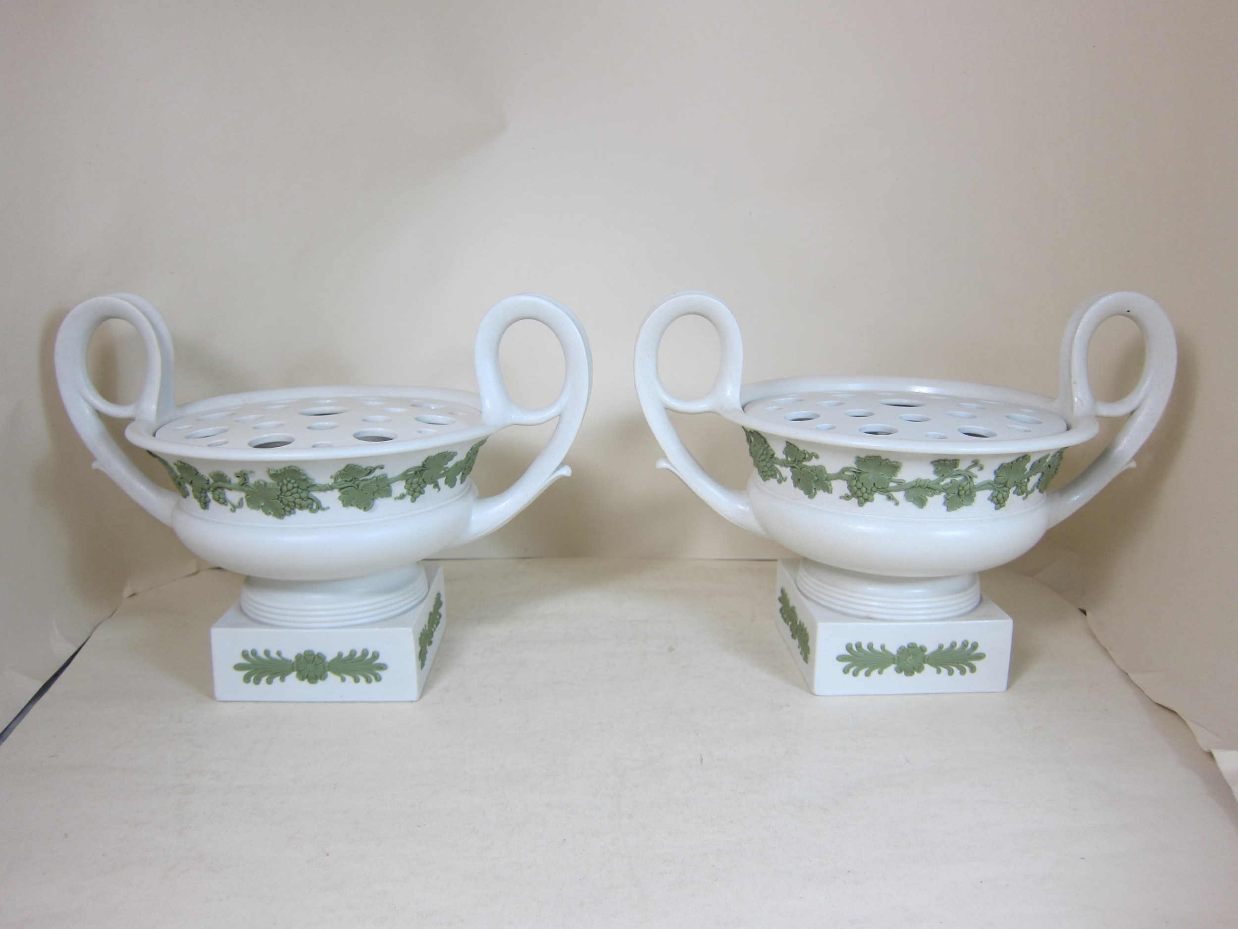 a pair of wedgwood stoneware 2 handled pot pourri vases with lids liners
