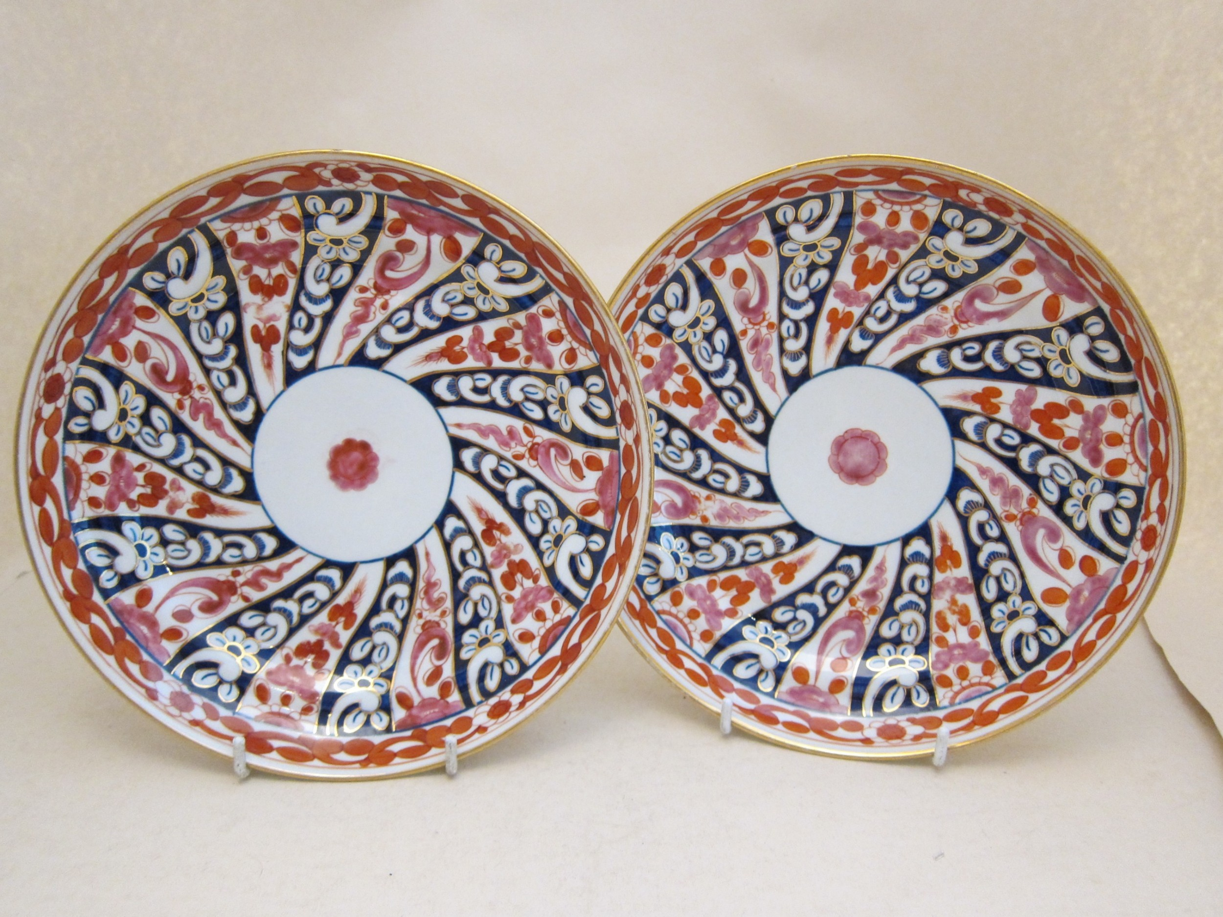 pair worcester porcelain queen charlotte pattern saucer dishes
