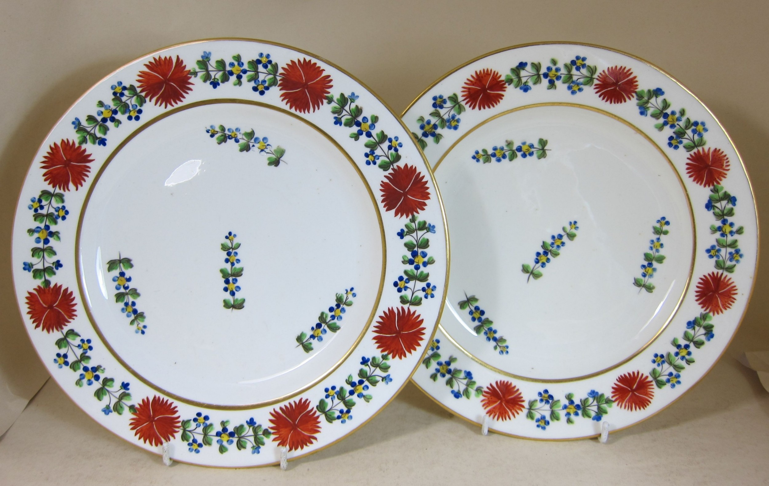 pair derby porcelain 10 plates decorated with forget me not red flowers