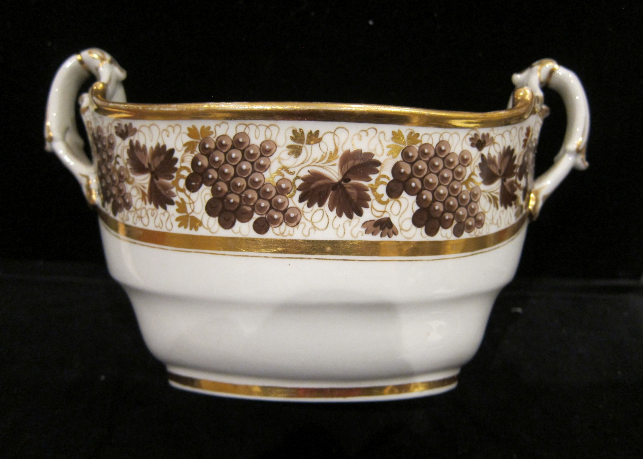 worcester porcelain 2 handled sugar basket decorated with brown grapes