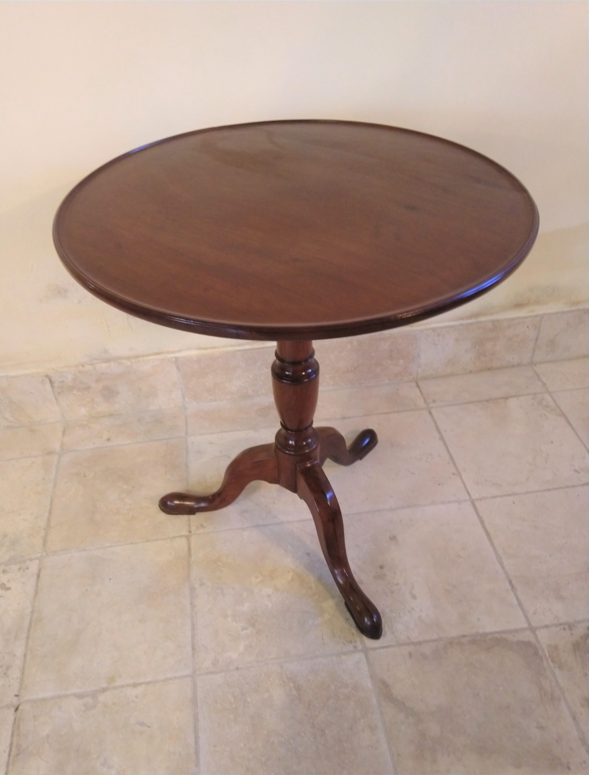 georgian mahogany pedestal table in very tidy condition