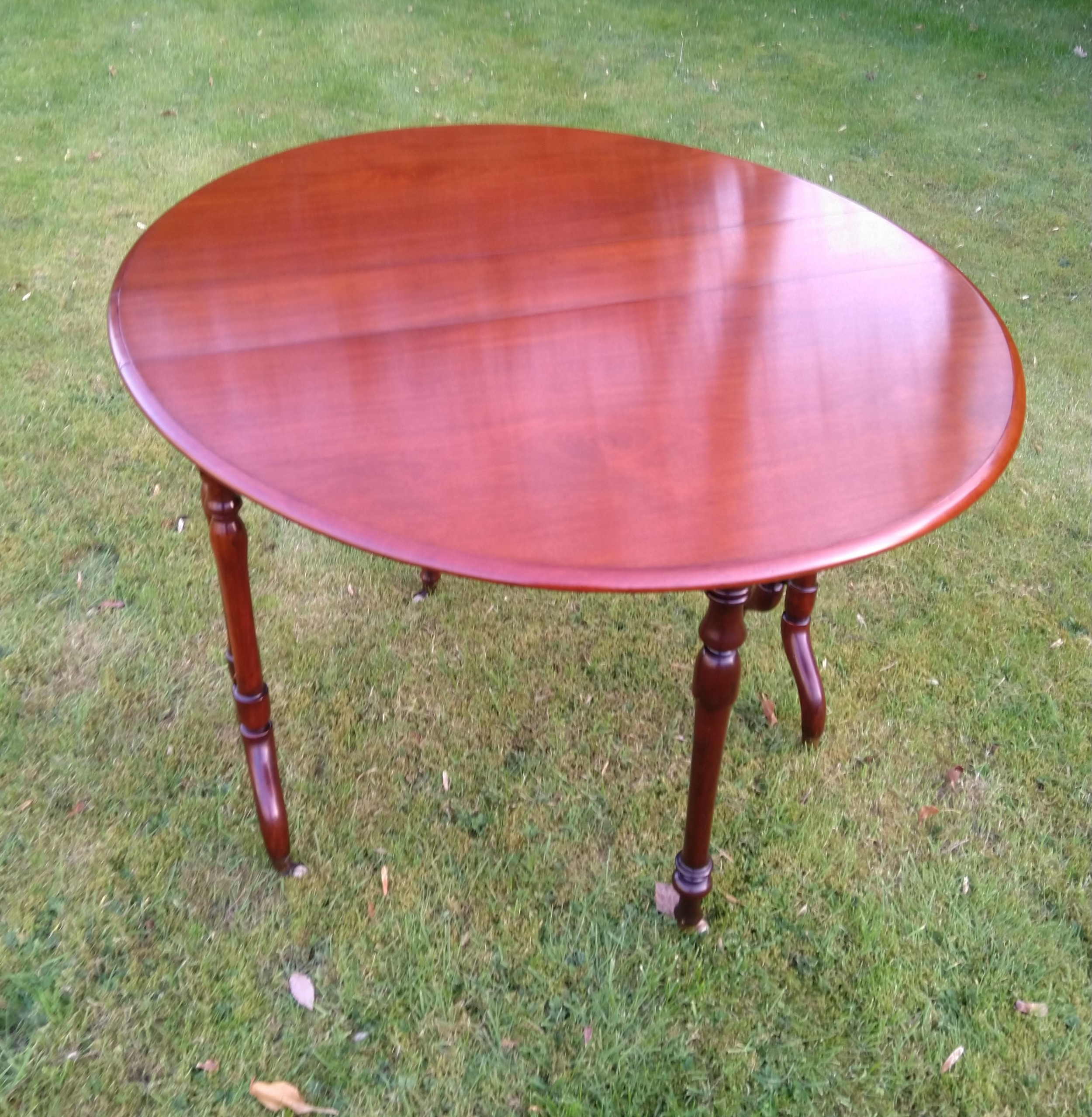mahogany sutherland dining height occasional table