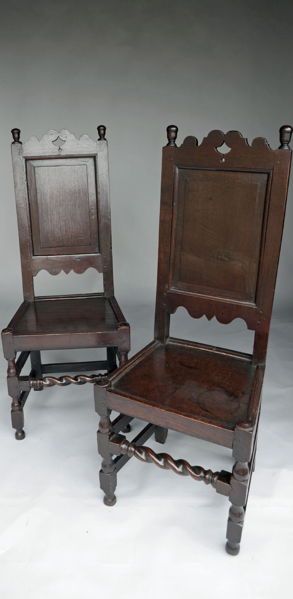 antique oak country furniture 17thc pair of joyned oak side chairs english c168090