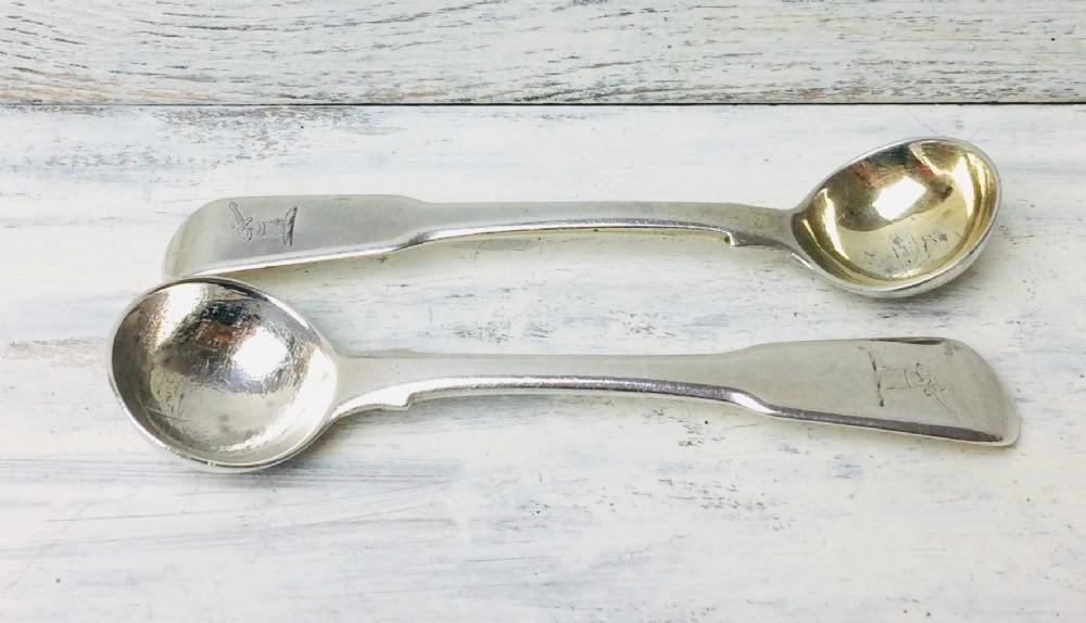 pair of georgian 1804 silver salt spoons