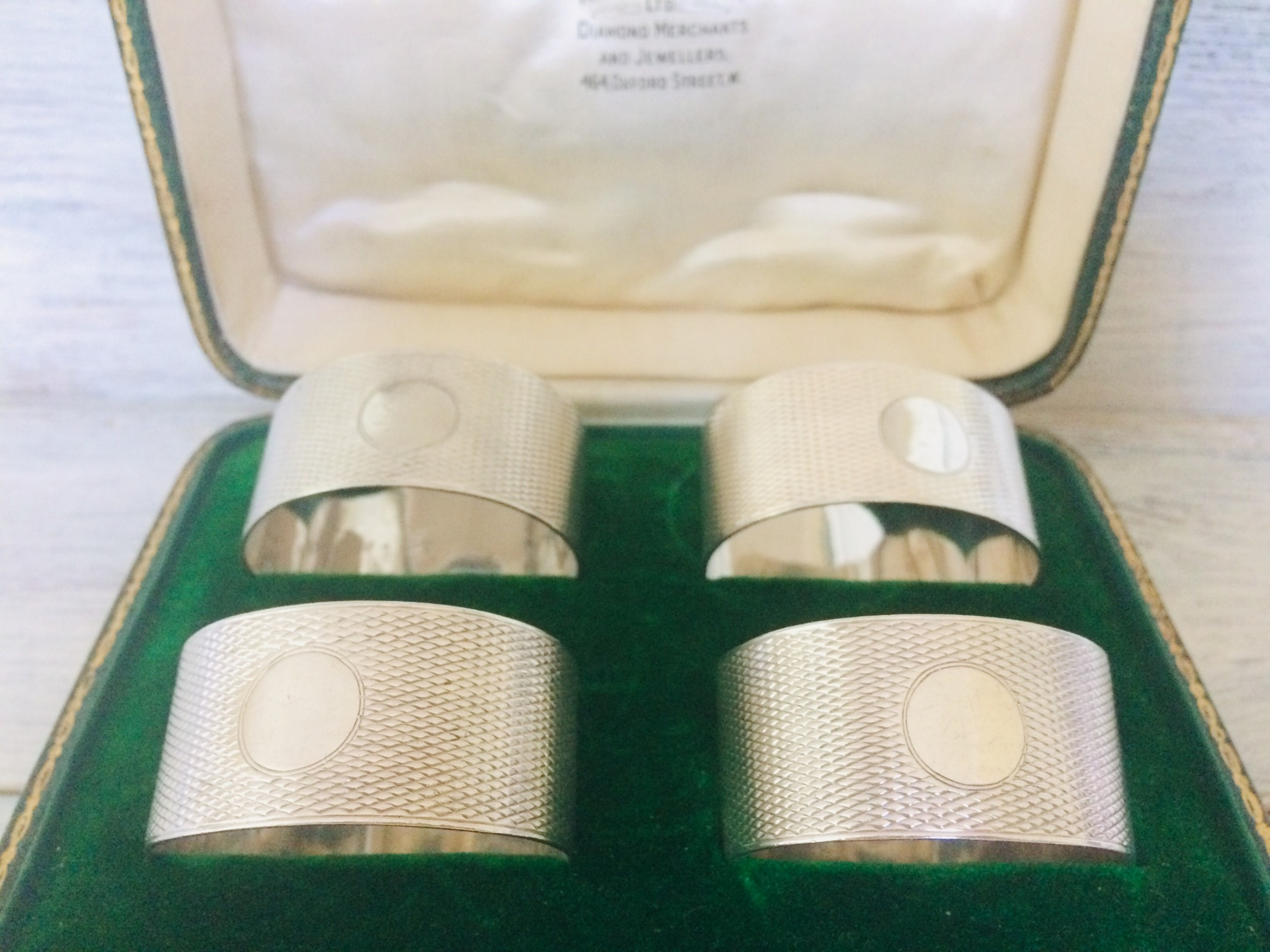 boxed set of 4 silver napkin rings