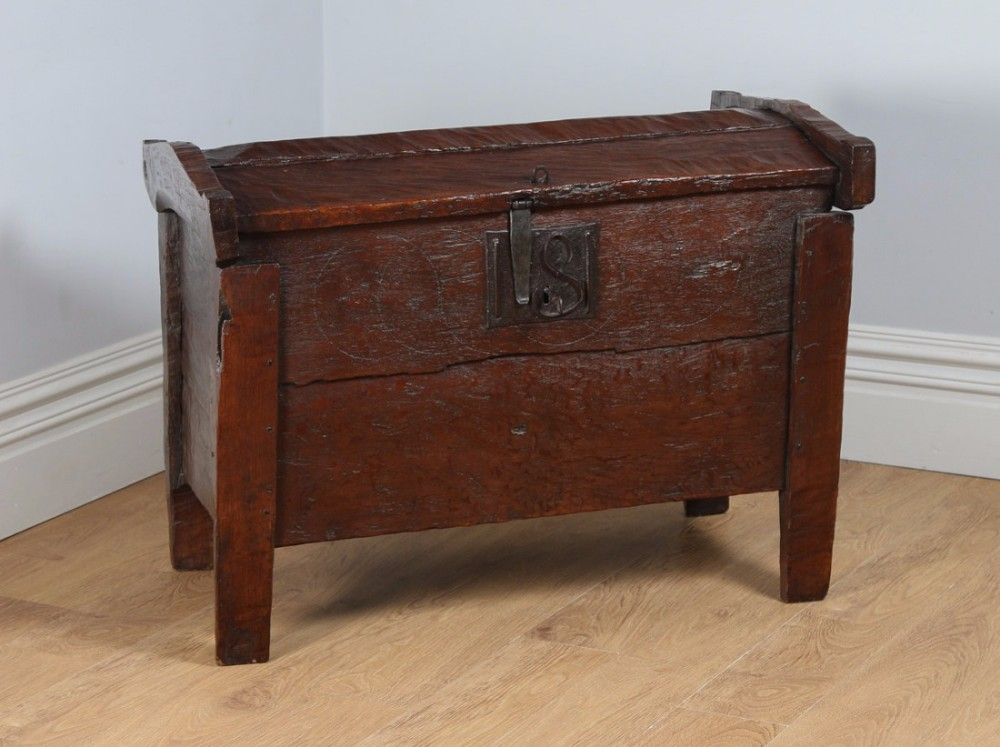 antique english tudor elizabethan oak meal ark coffer clamp chest trunk circa 16th century