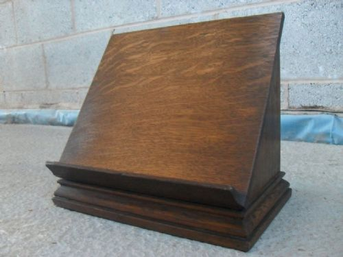 Delicieux 19th Century Solid Oak Reading Table Book Stand