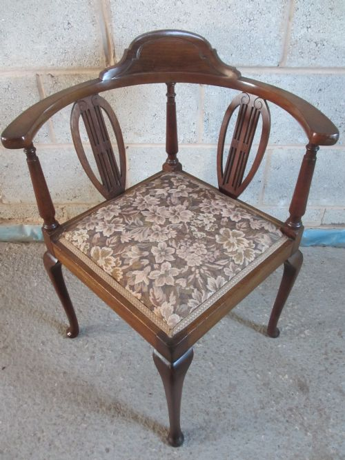 edwardian mahogany splat back corner chair