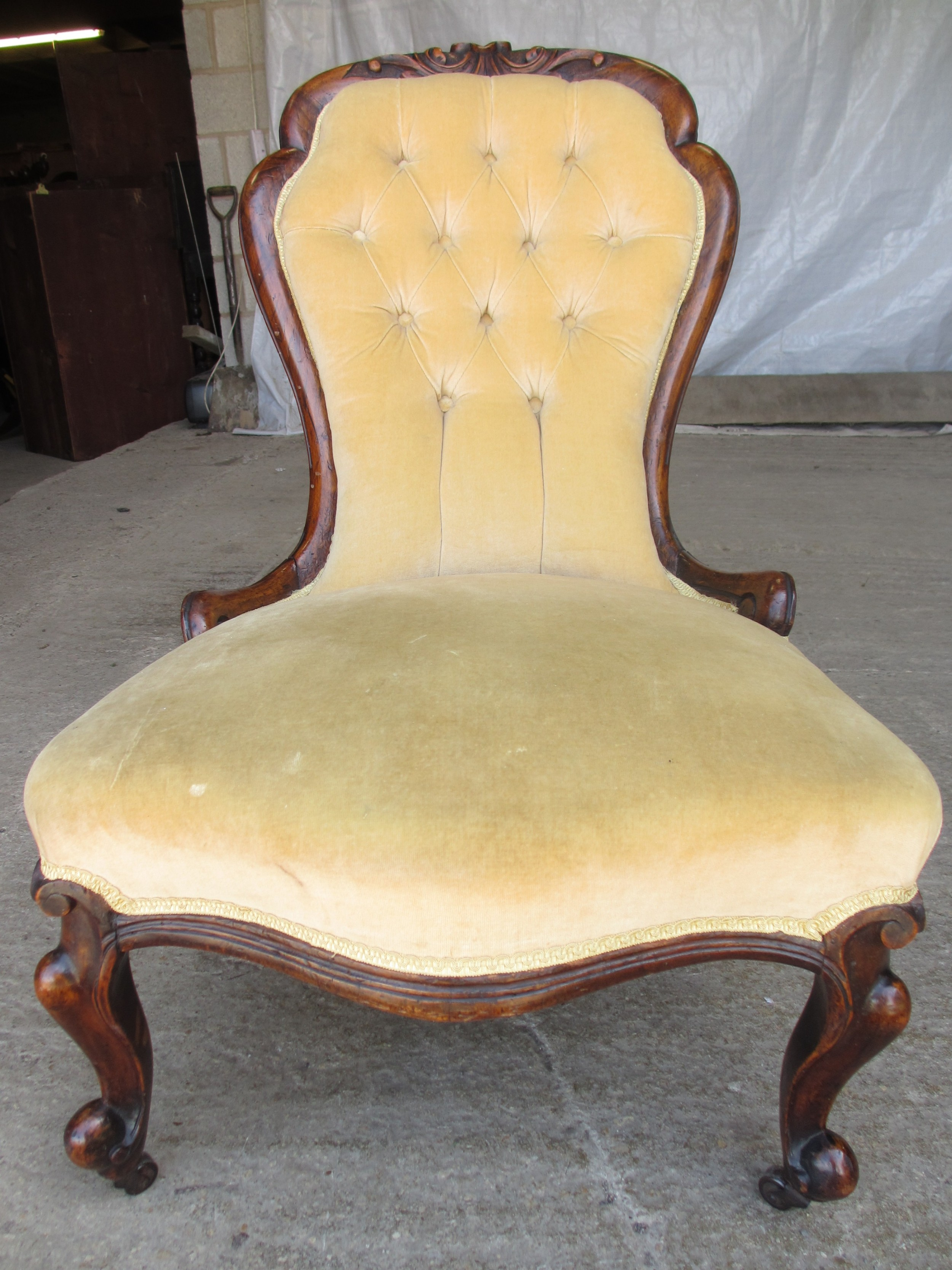 victorian mahogany spoon and button back nursing chair