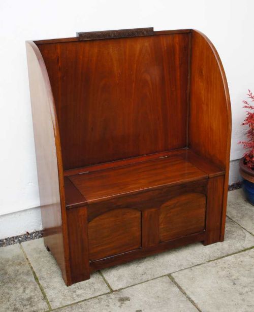 attractive deco mahogany high back settle in excellent condition