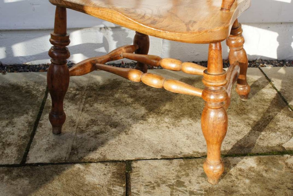 Victorian (1837-1901) Discreet Victorian Smokers Bow Chair Chairs
