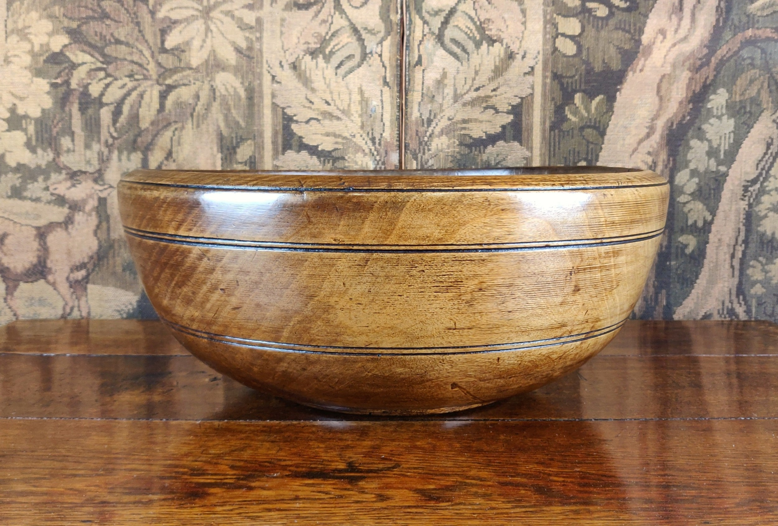 a fine early 19th century turned bowl